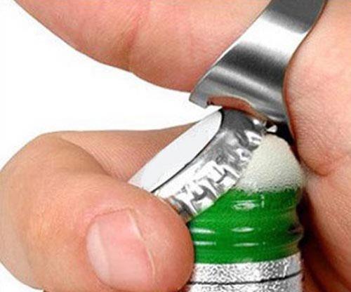 Flaschenöffner als Ring für Bierflaschen aus Edelstahl