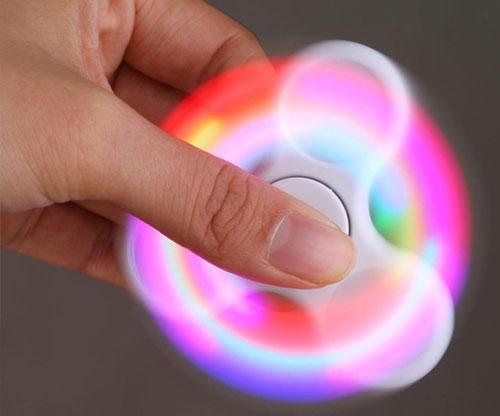 LED Fidget Spinner mit Farbwechsel / Zeittöter