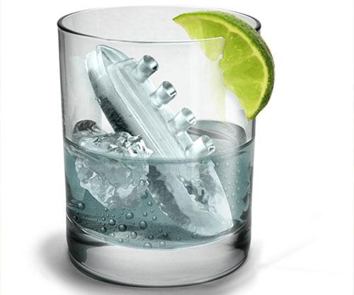 Gin & Tonic Titanic aus Eis mit Eisberg